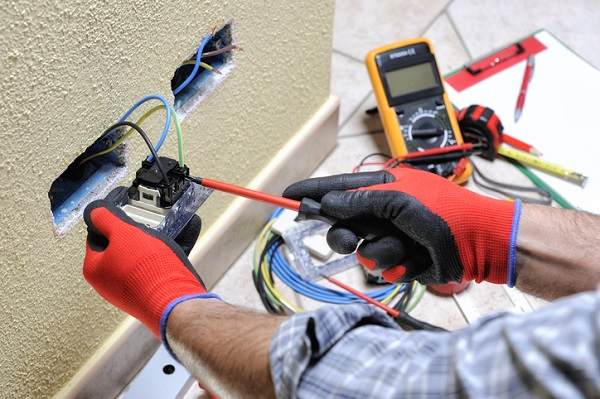 electrician career in construction